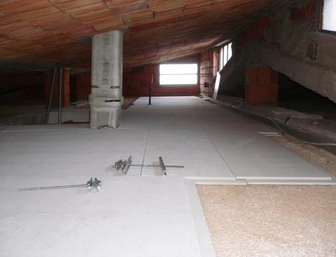 Un sottotetto in natural beton di canapa e calce for Sottotetto abitabile